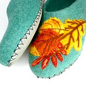 Тапочки ручной работы. Ярмарка Мастеров - ручная работа Бирюзовые тапочки Осенний букет на подошве. Handmade.
