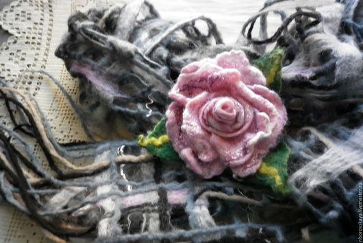 Шарфы и шарфики ручной работы. Ярмарка Мастеров - ручная работа. Купить Шарф-палантин валяный из шерсти Нежная роза. Handmade.