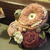 Украшения ручной работы. Ярмарка Мастеров - ручная работа Брошь из ткани Зимняя гортензия текстильная розово-бордовая. Handmade.