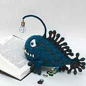 Куклы и игрушки ручной работы. Ярмарка Мастеров - ручная работа Игрушка вязаная Глубоководный удильщик СЭМ. Handmade.