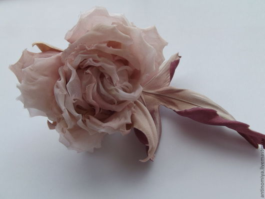 """Броши ручной работы. Ярмарка Мастеров - ручная работа. Купить Шелковые цветы. Роза """"Рене"""". Handmade. Роза из шелка, кофе"""