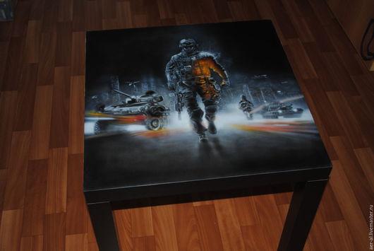 столик рисовался на заказ для фаната компьютерной игры battlefield