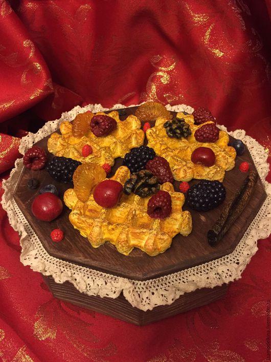 Шкатулки ручной работы. Ярмарка Мастеров - ручная работа. Купить Шкатулка с ягодами. Handmade. Коричневый, подарок бабушке, тесьма декоративная
