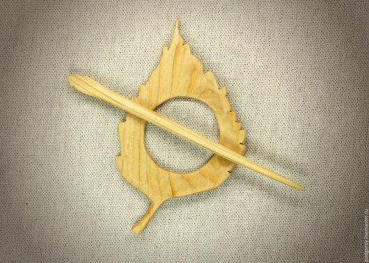 """Заколки ручной работы. Ярмарка Мастеров - ручная работа. Купить Заколка деревянная """"Липовый листочек"""". Handmade. Желтый, ель натуральная"""