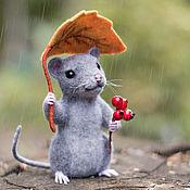 Куклы и игрушки ручной работы. Ярмарка Мастеров - ручная работа Под осенним дождем. Валяный мышонок.. Handmade.