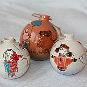 Подарки к праздникам ручной работы. Ярмарка Мастеров - ручная работа Шары елочные керамические Мультики. Handmade.