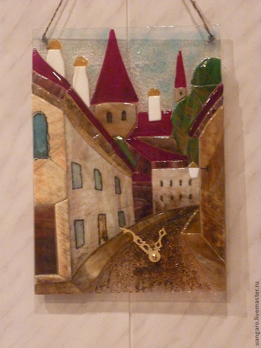 """Часы для дома ручной работы. Ярмарка Мастеров - ручная работа. Купить Часы """"Вильнюс"""", фьюзинг. Handmade. Витраж, интерьер"""