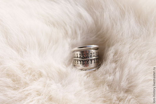 Кольцо из серебра «Девочки»