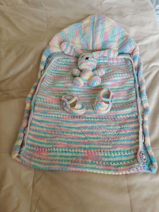 Для новорожденных, ручной работы. Ярмарка Мастеров - ручная работа. Купить Подарочный набор для малыша: конверт-спальник, пинетки, игрушка зайчик. Handmade.