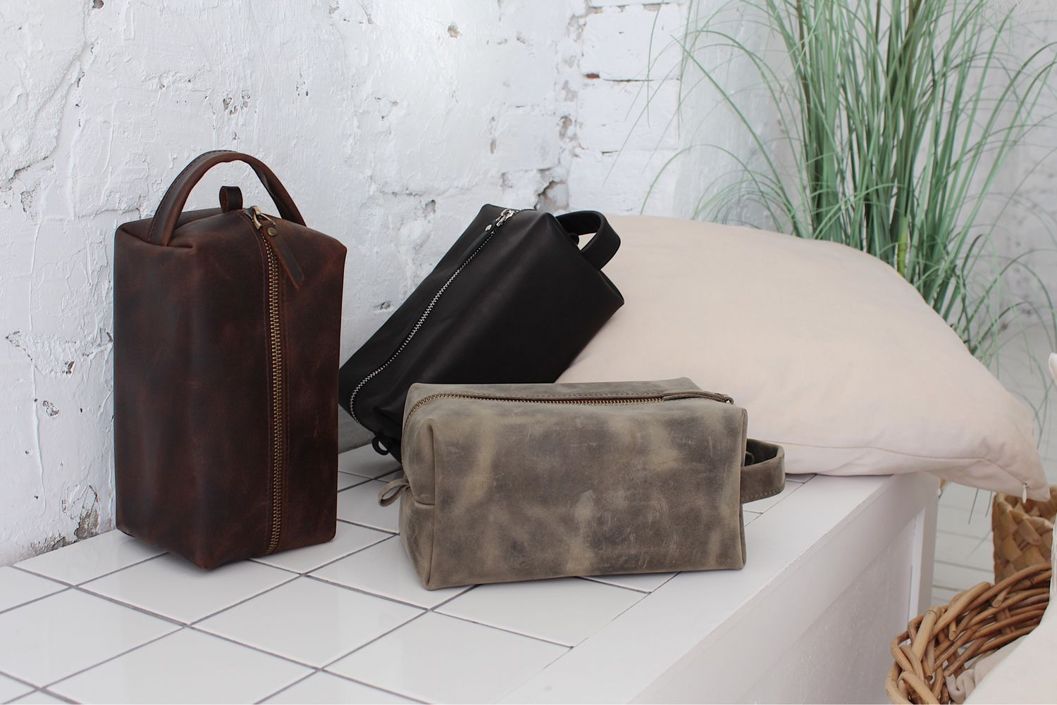 Dressing case, cosmetic bag made of genuine leather SMALL, Travel bags, St. Petersburg,  Фото №1