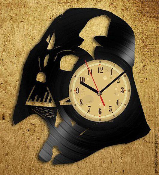"""Часы для дома ручной работы. Ярмарка Мастеров - ручная работа. Купить Часы из пластинки """"Darth Vader"""". Handmade. Комбинированный"""