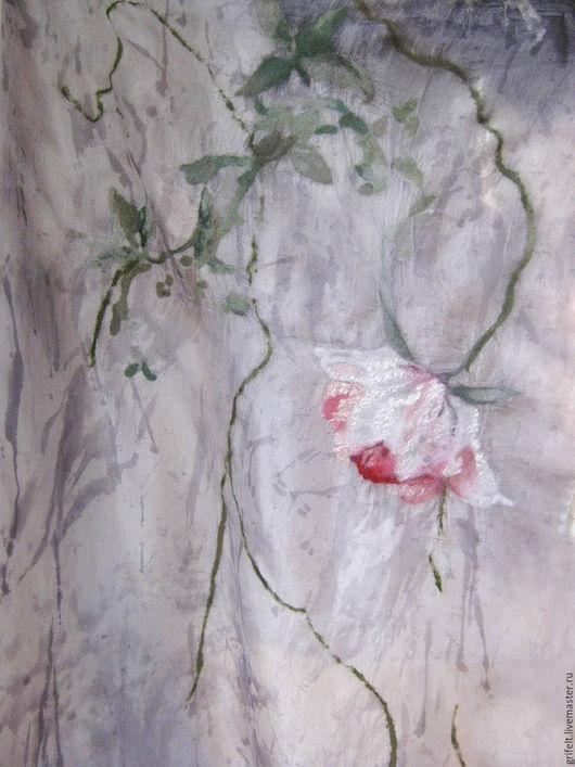 Вариант палантина в более светлом сером цвете.