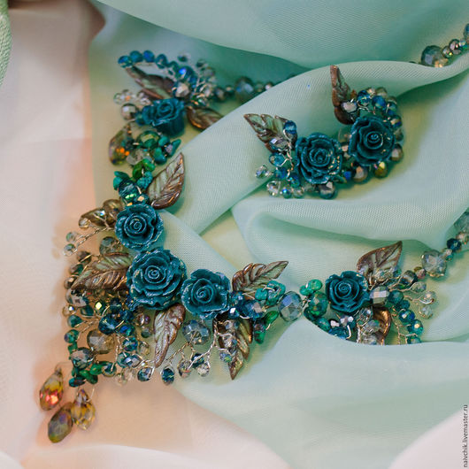 Комплекты украшений ручной работы. Ярмарка Мастеров - ручная работа. Купить Комплект украшений из колье и сережек Цвет морской волны. Handmade.