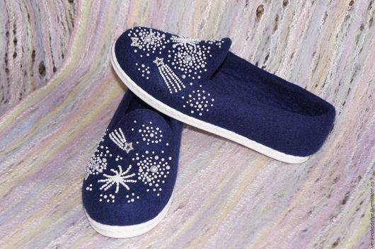 """Обувь ручной работы. Ярмарка Мастеров - ручная работа. Купить Слипоны валяные """"Тайны Вселенной"""". Handmade. Валяная обувь"""