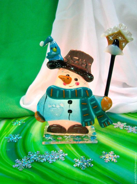 Миниатюрные модели ручной работы. Ярмарка Мастеров - ручная работа. Купить Фьюзинг-сувенир «Снеговик с другом». Handmade. Стекло