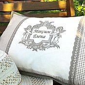 Для дома и интерьера ручной работы. Ярмарка Мастеров - ручная работа Подушка льняная интерьерная с вышивкой в винтажном стиле. Handmade.