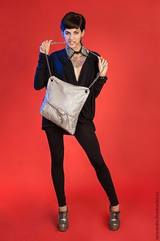 """Женские сумки ручной работы. Ярмарка Мастеров - ручная работа. Купить 3D Сумка """"Серебряный револьвер"""" из натуральной кожи. Handmade."""