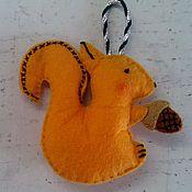 Работы для детей, ручной работы. Ярмарка Мастеров - ручная работа Игрушка из фетра желтая Белка. Handmade.
