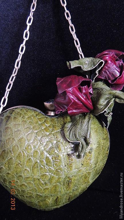 Женские сумки ручной работы. Ярмарка Мастеров - ручная работа. Купить Клатч сердечко. Handmade. Тёмно-зелёный, клатч с цветком