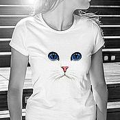 Футболки ручной работы. Ярмарка Мастеров - ручная работа Футболка  Белый кот. Handmade.