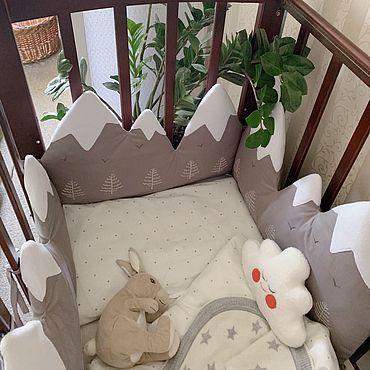 Товары для малышей ручной работы. Ярмарка Мастеров - ручная работа Бортики в кроватку Горы. Handmade.