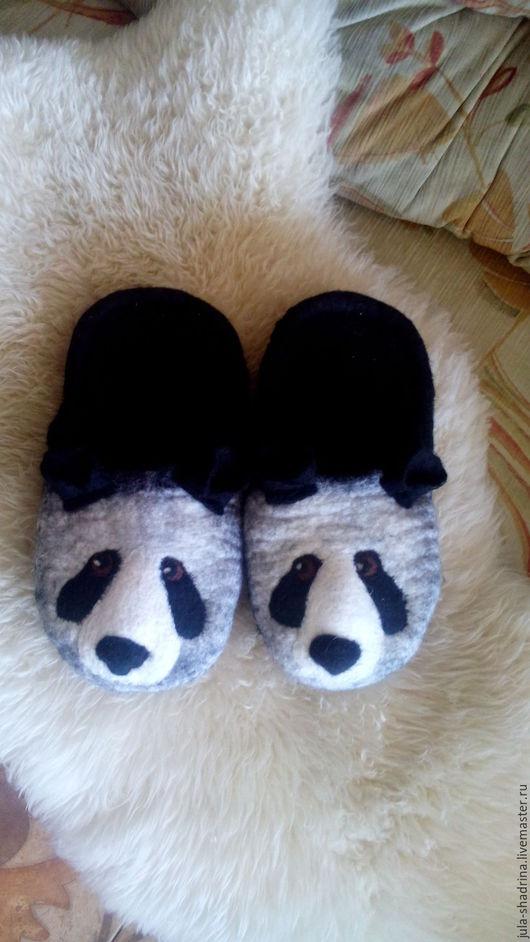 Обувь ручной работы. Ярмарка Мастеров - ручная работа. Купить Панды. Handmade. Черный, панда, валяные тапочки, валяние из шерсти