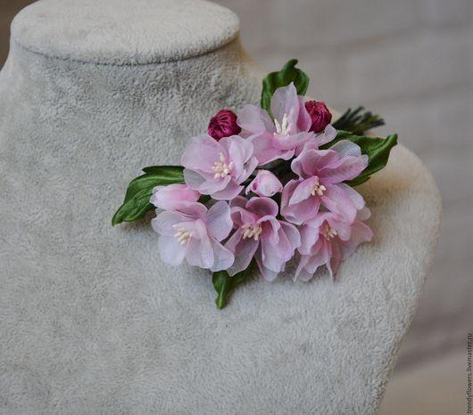 Брошь-цветок купить. Украшение с цветами. Ярмарка мастеров ручная работа handmade. Цветы из шелка. Сакура. Цветы мастера ручной работы Юлии Смирновой (Trendy Flowers)