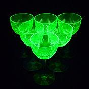 Винтаж handmade. Livemaster - original item GLASSES 5 pieces. Colored URANIUM glass. HAND CARVED BONUS. Handmade.