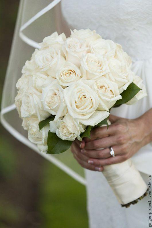 Свадебный букет невесты из живых роз Москва