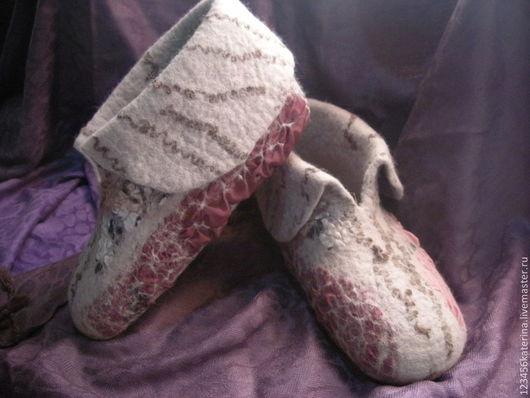 Обувь ручной работы. Ярмарка Мастеров - ручная работа. Купить Валяные тапочки ручной работы. Handmade. Серый, валяные тапочки