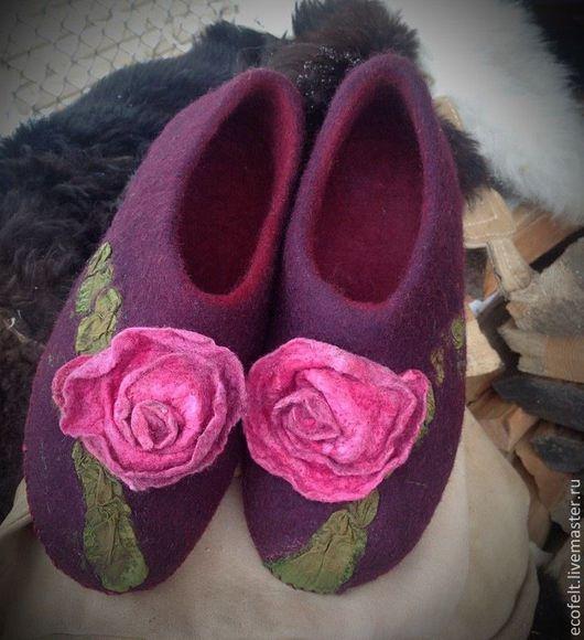 Обувь ручной работы. Ярмарка Мастеров - ручная работа. Купить Домашние туфельки - УТРЕННЯЯ РОЗА. Handmade. Бордовый, для дома, домашняя