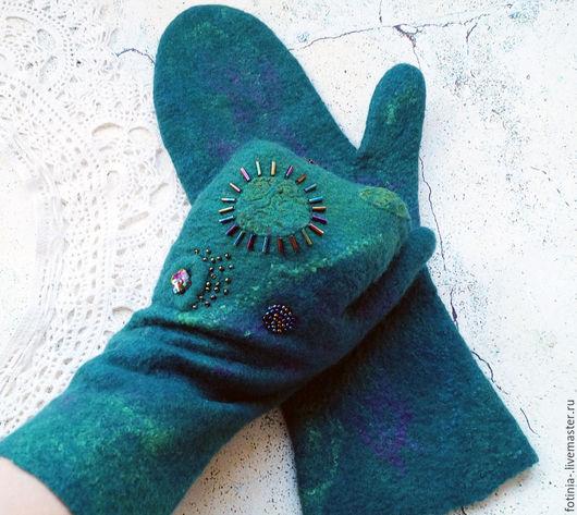 Варежки, митенки, перчатки ручной работы. Ярмарка Мастеров - ручная работа. Купить Валежки валяные МАЛАХИТИКИ   БРОНЬ. Handmade. рукавички