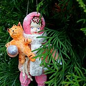 Куклы и игрушки ручной работы. Ярмарка Мастеров - ручная работа Ватная игрушка девочка с котиком... Handmade.