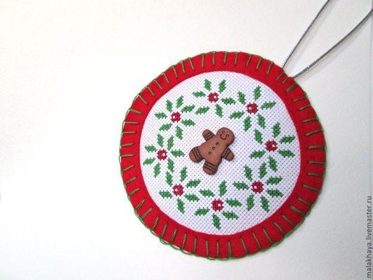 Новый год 2017 ручной работы. Ярмарка Мастеров - ручная работа. Купить Новогоднее украшение. Handmade. Ярко-красный, фетровый, канва