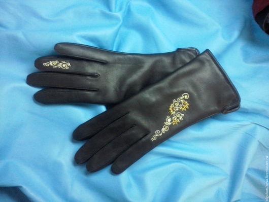 Варежки, митенки, перчатки ручной работы. Ярмарка Мастеров - ручная работа. Купить Перчатки с ассиметричной ручной вышивкой. Handmade.