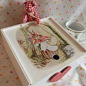 Подарки ручной работы. Ярмарка Мастеров - ручная работа Коробка для новорожденного Кролики Беатрис Поттер+грызунок. Handmade.