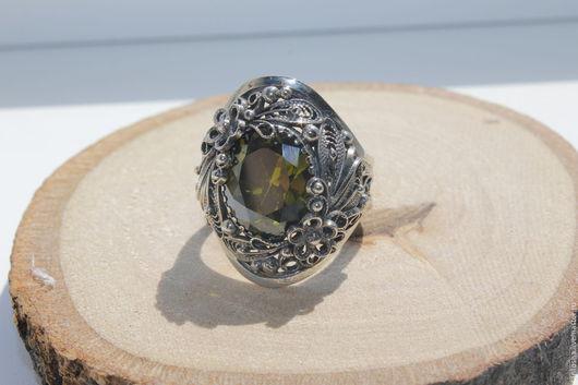 """Кольца ручной работы. Ярмарка Мастеров - ручная работа. Купить Перстень  """"Майская листва"""". Handmade. Ярко-зелёный, дорогой подарок"""