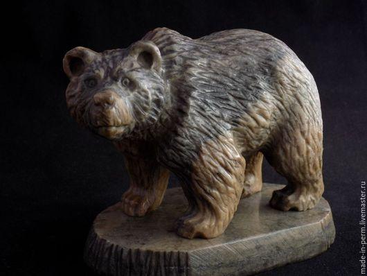 Персональные подарки ручной работы. Ярмарка Мастеров - ручная работа. Купить Бурый Медведь - статуэтка из камня Кальцит. Handmade. Фигурка