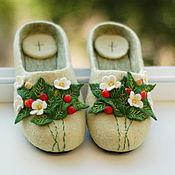 """Обувь ручной работы handmade. Livemaster - original item Тапочки валяные """"Земляника лесная"""" тапки войлочные размер 38. Handmade."""