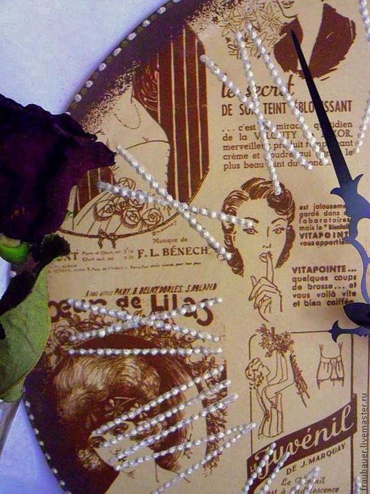 """Часы для дома ручной работы. Ярмарка Мастеров - ручная работа. Купить """"Модницы прошлого века""""- большие интерьерные часы.. Handmade."""