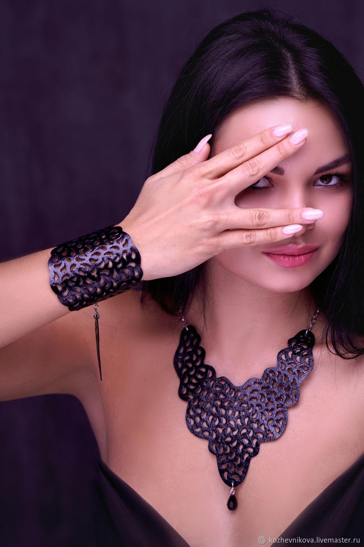leather set: Elena Kozhevnikova Photographer: Ekaterina Yankovskaya Model: love