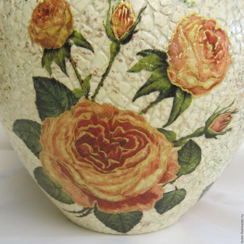 Вазы ручной работы. Стеклянная ваза Кремовые розы