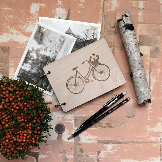 """Блокноты ручной работы. Ярмарка Мастеров - ручная работа. Купить Блокнот в деревянной обложке """"Путешествие в Париж на велосипеде"""". Handmade. Бежевый"""