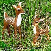 Куклы и игрушки ручной работы. Ярмарка Мастеров - ручная работа Оленёнок и олениха  лань – миниатюра олени, олень валяный из шерсти. Handmade.