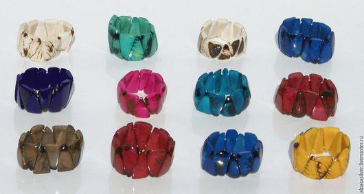 Браслеты ручной работы. Ярмарка Мастеров - ручная работа. Купить Браслеты, в виде треугольников, из орехов пальмы тагуа, разные цвета. Handmade.