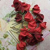 """Украшения в прическу ручной работы. Ярмарка Мастеров - ручная работа шпильки с цветами """" Красные и бордовые розы"""". Handmade."""