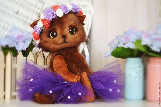 Игрушки животные, ручной работы. Ярмарка Мастеров - ручная работа. Купить Кошечка Эльза (35см) игрушка из меха. Handmade.