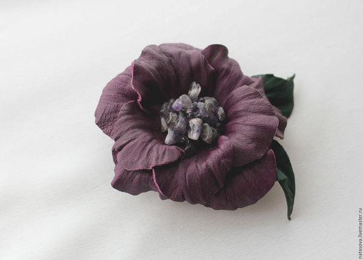"""Броши ручной работы. Ярмарка Мастеров - ручная работа. Купить Брошь """"Виола"""". Handmade. Фиолетовый, подарок девушке, цветок"""