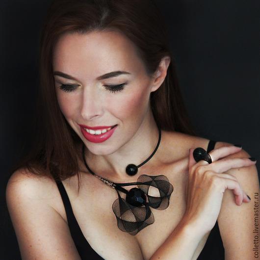 """Колье, бусы ручной работы. Ярмарка Мастеров - ручная работа. Купить Колье """"Black Orchid"""". Handmade. Черный, вечернее украшение"""