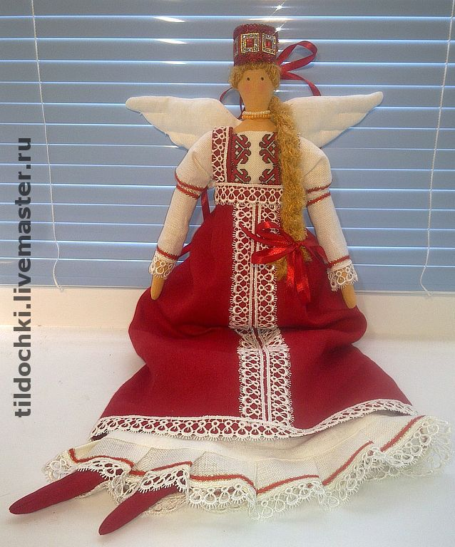 Кукла в народном платье